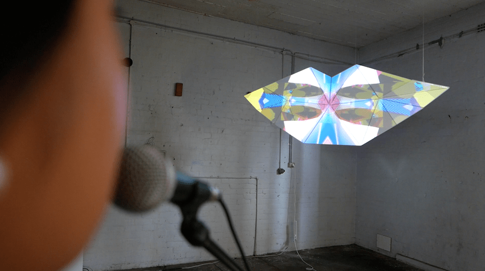 Interactive microphone controlling light structure